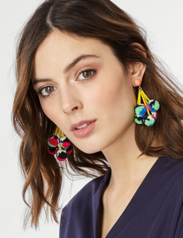 pom, pom earrings